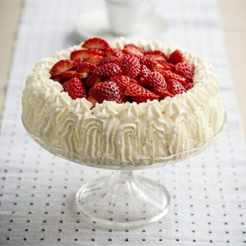 Recipe Jordgubbstarta Strawberry Celebration Cake